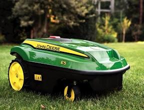 John Deere Tango Automatic lawn mower - nice!