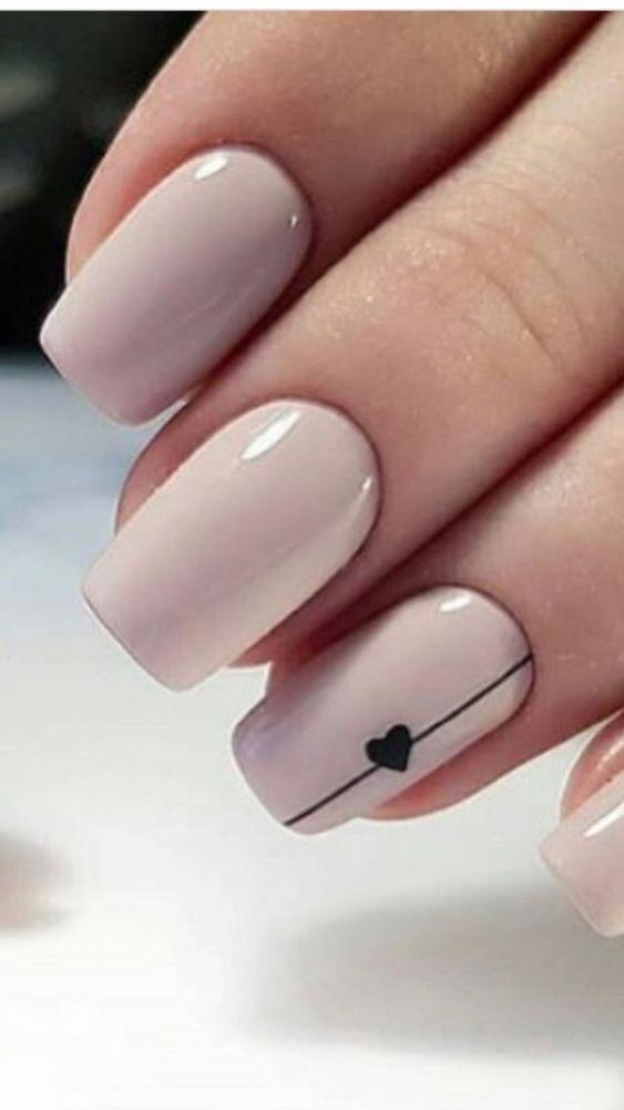 25 atemberaubende minimalistische Nail Art Designs – Nageldesign