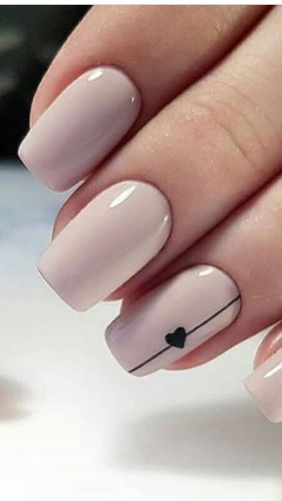 25 atemberaubende minimalistische Nail Art Designs #Art #Atemberaubende #Designs…