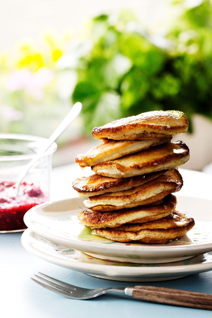Jumpstart your day in the most delicious way — these melt-in-your-mouth pancakes are amazingly satisfying. Pair these fluffy dairy and nut-free delights with fresh berries or melted butter on top and they will be even more heavenly! Paradise, here we come.