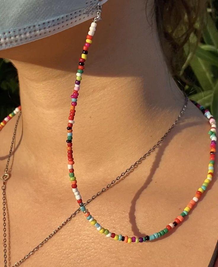 Porta cubrebocas, buena idea! Beaded Anklets, Beaded Jewelry, Beaded Bracelets, Jewellery, Pulseras Kandi, Bracelet Crafts, Homemade Jewelry, Bijoux Diy, Diy Necklace