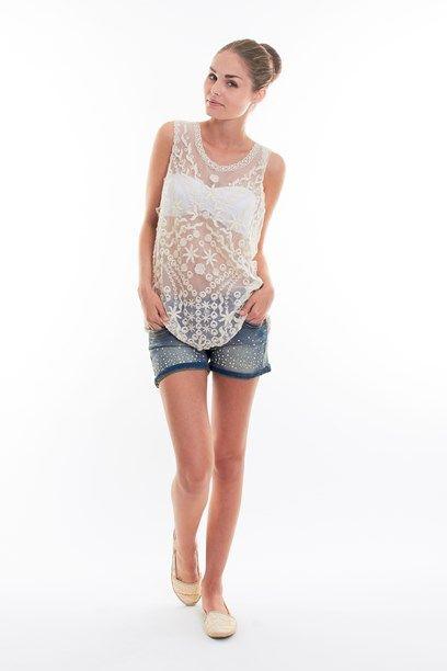 TELMA TOP- Shear lace and crochet top with dapper patterns.  Gennemsigtig blonde top med sirlige detaljer i mønsteret.