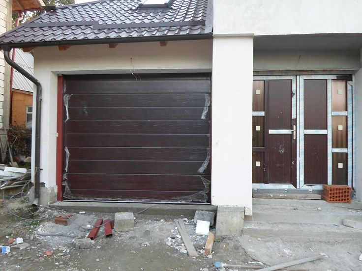 Usi de garaj rezidentiale, panouri sectionale in Mioveni, Arges