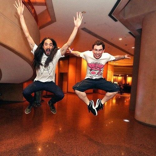 Aoki jump!! Steve and Hardwell