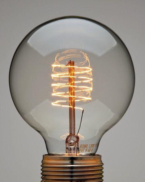 Spiral bulb from Manufactum.: Ideas, Spirals, Trav'Lin Lights, Art Photography, Vintage Lights, Lights Bulbs, Globes Lamps, Lightbulbs, Design