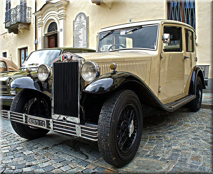 Old car by Giancarlo Gallo