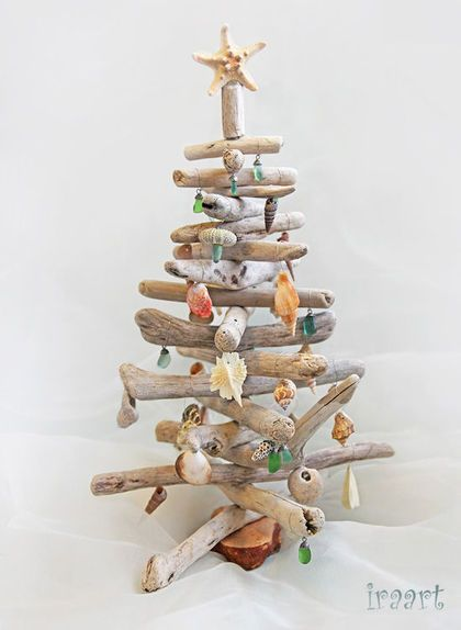 Driftwood and seashell christmas tree  I have a whole bag of driftwood in the laundry begging to become something!