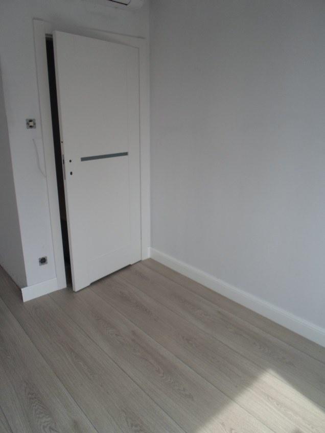 Szerokie panele EGGER Kingsize dodają pomieszczeniu przestronności :)
