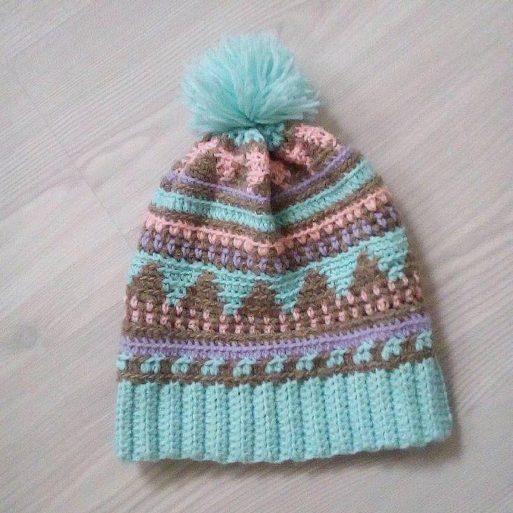 crocheted hat #crochet #crochetedhat #slouchybeanie #slouchyhat #marshmallow #megmadewithlove