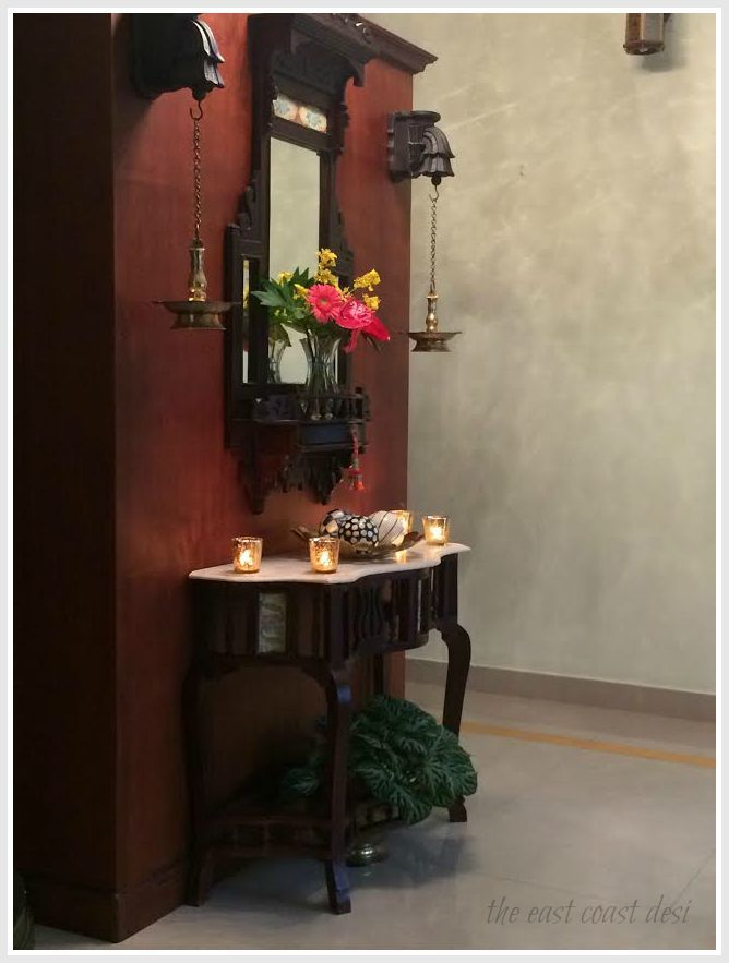 the east coast desi - using hanging lamps along with an entry table