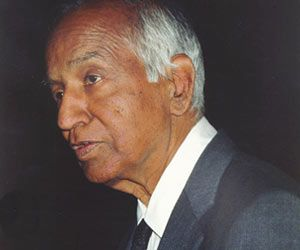Subrahmanyan Chandrasekhar was one of the greatest scientists of the 20th century. He did commendable work in astrophysics, physics and applied mathematics. Chandrasekhar was awarded the Nobel Prize in Physics in 1983.He has discovered Chandrasekhar Limit.