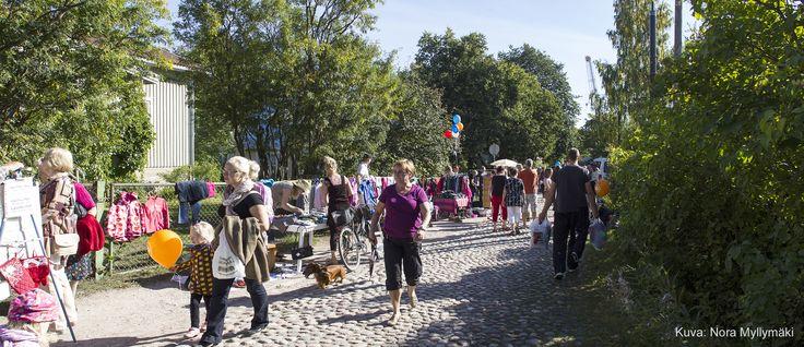 Asematapahtuma, Maantien kirppis. Kuva Nora Myllymäki