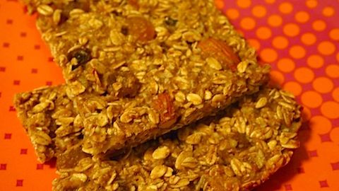 High Protein, Low Cal, Post Workout Homemade Granola Bars #fitfluential