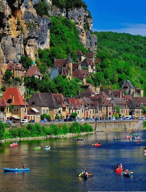 La Roque-Gageac, France. Above left is the Marqueyssac garden - Vézac - Dordogne region - France #travel Find Super Cheap International Flights to France ✈✈✈ https://thedecisionmoment.com/cheap-flights-to-europe-france/