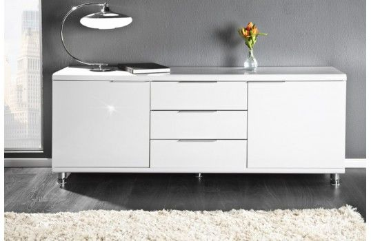 Bahut design Sacha blanc 2.Un meuble de rangement spacieux de qualité