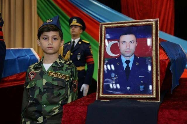 Türkiye ve Azerbaycan'daki Şehitlerimize Kuran Tilaveti