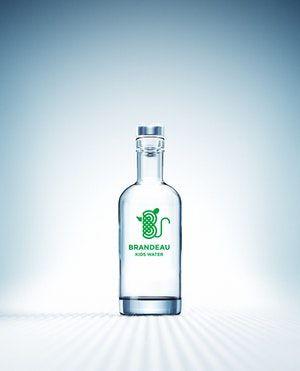 http://www.brandeau.ch I Brandeau Kids Water. Green Edition. Stylish swiss glasbottles to refill tap water at home or in the office. #brandeau #brandeaubottles #wasser #water #wasserflasche #wassertrinken #wassergenuss #hahnenwasser #stilleswasser #flasche #karaffe #wasserkaraffe #glasflasche #schweizerwasser #tapbottle #tapwater #bottledesign #design #waterbottledesign #waterbottle #kidsbottle #kidswater #kids