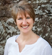 About:-  Jennifer is a qualified, full-time executive and leadership coach with an independent, external coaching practice operating successfully since 2003.Previous to setting up on her own, she worked for 15 years in the publishing & media industry both internationally and in the UK leading teams in the commercial, marketing, editorial and circulation sectors.