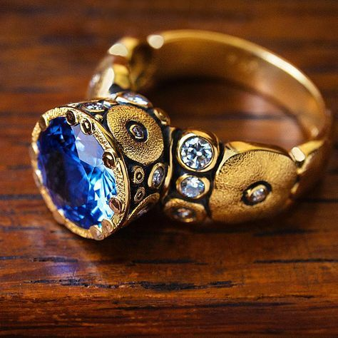 Orchard ring with unheated sapphire