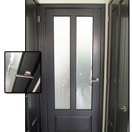 25 beste idee n over donkere deuren op pinterest donkere interieur deuren witte hal en - Donkergrijze verf ...