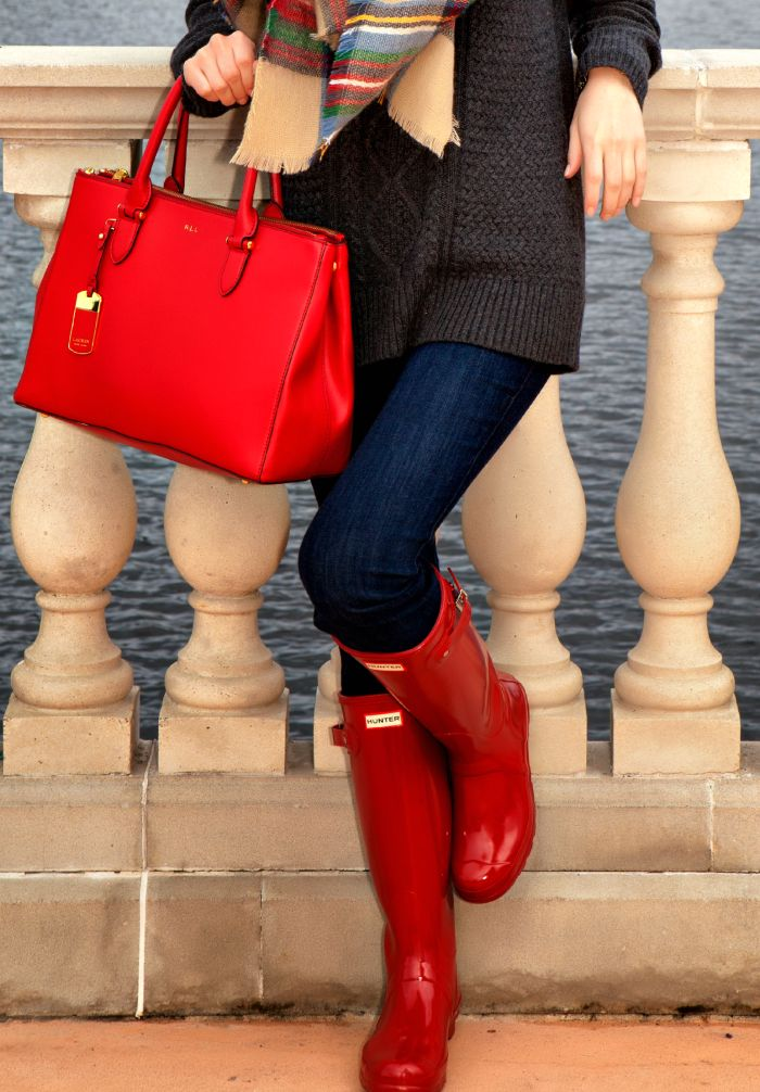 Pops of red add effortless seasonality to any outfit.