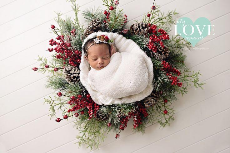 Christmas Wreath - Pearland Tx Newborn Photographer