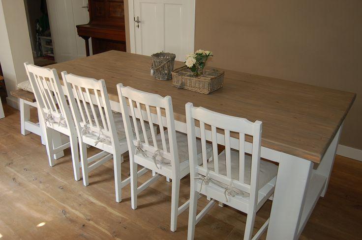 """landelijke / brocante eettafel  kloostertafel model """"Luik""""met een grenen blad van oude kaasplanken van  Iron and Wood Bemmel www.ironandwood.nl"""