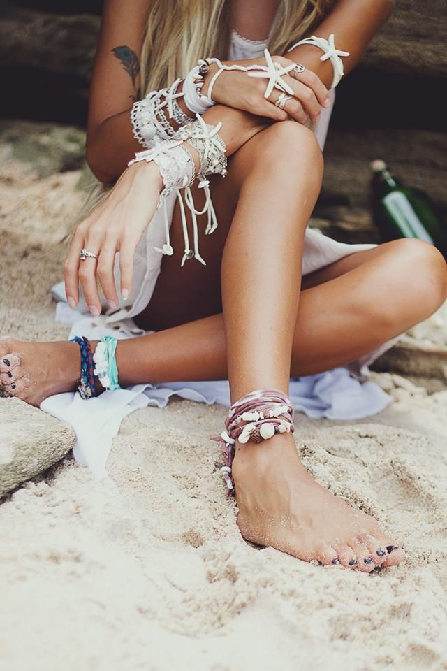 SUMMER fashion, boho chic jewelry, modern hippie style. For MORE Bohemian ideas FOLLOW http://www.pinterest.com/happygolicky/the-best-boho-chic-fashion-bohemian-jewelry-gypsy-/