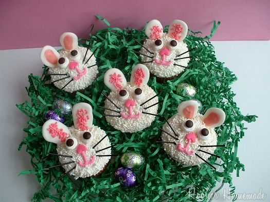 Easter Bunny Cupcakes - We love these for spring! (Via Hoosier Homemade): Bunnies Cupcakes How, Celebrity Easter, Easter Bunnies, Easter Desserts, Easter Mixed, Easter Cupcakes, Easter Bunny, Teas Ideas, Keys Limes Cupcakes