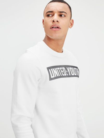A cool, urban style with strong graphic design: Graphic white sweatshirt in regular fit, with UNITED: YOUTH print in contrast gray rubber   JACK & JONES