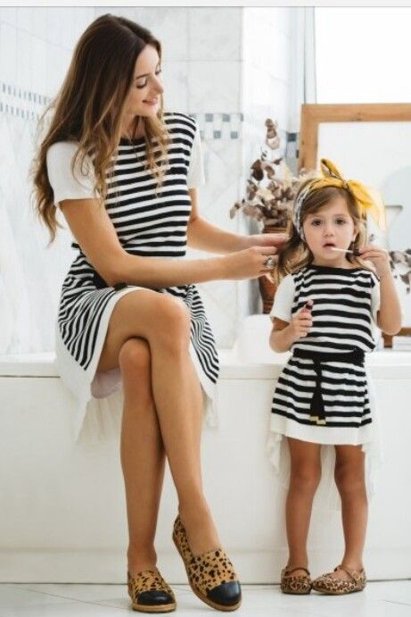 #mother #daughter #lookalike #outfit #black #white #stripes #clothes