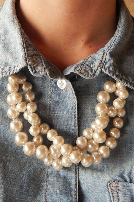 Pale Pink Twisted Pearl Statement Necklace // J Crew Inspired Statement Necklace with Gold Chain @aquagiraffebykimberlyrae