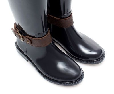 ZARA - KIDS - SYNTHETIC PATENT LEATHER WELLIES