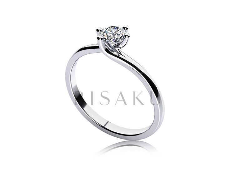 C21 Tento model je zajímavý odlišným uspořádáním krapen, které drží kamínek v patřičné výšce. Jsou umístěny v páru oproti sobě a tak umožňují světlu, aby ke kamenu snadno pronikalo. Kamínek z dvou stran téměř odhalen a z profilu lze pozorovat samotnou špičku kamenu. #bisaku #wedding #rings #engagement #svatba #zasnubni #prsteny