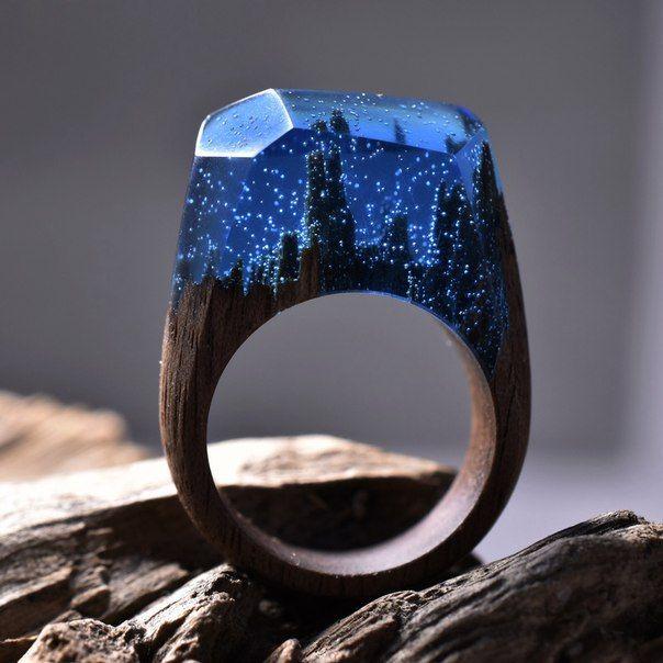 Кольца ручной работы от студии Secret Wood, выполненные из дерева и ювелирной…