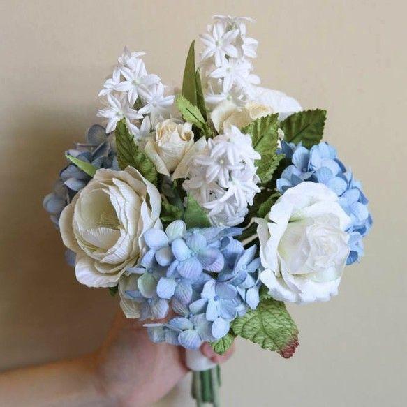 """■説明あなたの素敵な花嫁介添人のための花の花束にマッチする """"花嫁介添人のためのミニブーケ""""。あなたが一致するアクセサリーを持っているとき、どのように美しい写真が表示されます!Customize BouquetはCustomize Sectionでも利用できます。■素材:手作り紙■パーフェクト:ブライドメイドブーケ■サイズ:直径16cm、長さ25cm 6 """"x 10""""■含まれる- リボン/ペーパーラフィアラッピング- 内部の香り* 私たちに関してはPosie Flowersはデザイナーや手芸のスタッフがいる小さな工芸スタジオです。タイのチェンマイ、桑の紙(Saa Paper)、手工芸のコミュニティにあります。* 私たちの仕事1. Posie Dream Wedding:私たちは花嫁が夢の結婚式を実現するための最高級の結婚式用品を提供しました2. Posie Perfect Gift:誰もが選ぶことのできる完璧で愛らしい贈り物をたくさんデザインしています。3. Posieの部屋:あなた自身のスタイルのホームデコレーションアイテム。最..."""
