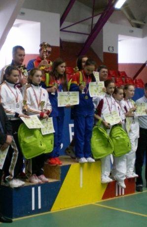 http://www.presaonestilor.com/2016/03/04/turneu-de-tenis-cu-participare-nationala-si-internationala-desfasurat-la-onesti-targu-ocna-si-slanic-moldova/