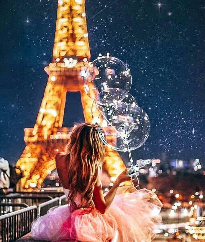 Affordable Family Vacations The Eiffel Tower At Night Only In Travelarize Com Paris Wallpaper Paris Photography Eiffel Tower