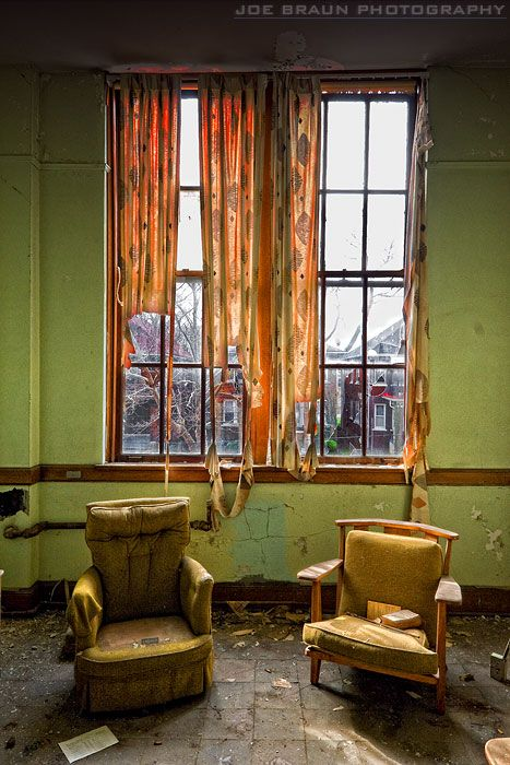 Detroit, how very sad. As these old beauties fall to ruin families live on the streets. I would love to see them renovated.