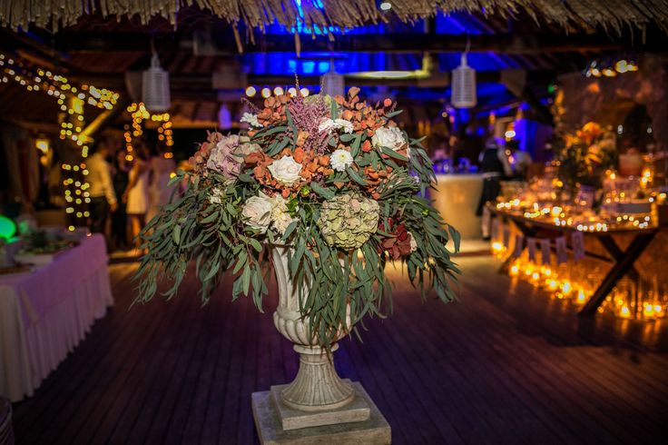 Stunning Entrance Decoration in autumn colours! Amphoras with eucalyptus, hydrangeas, roses and chrysanthemum!!!!