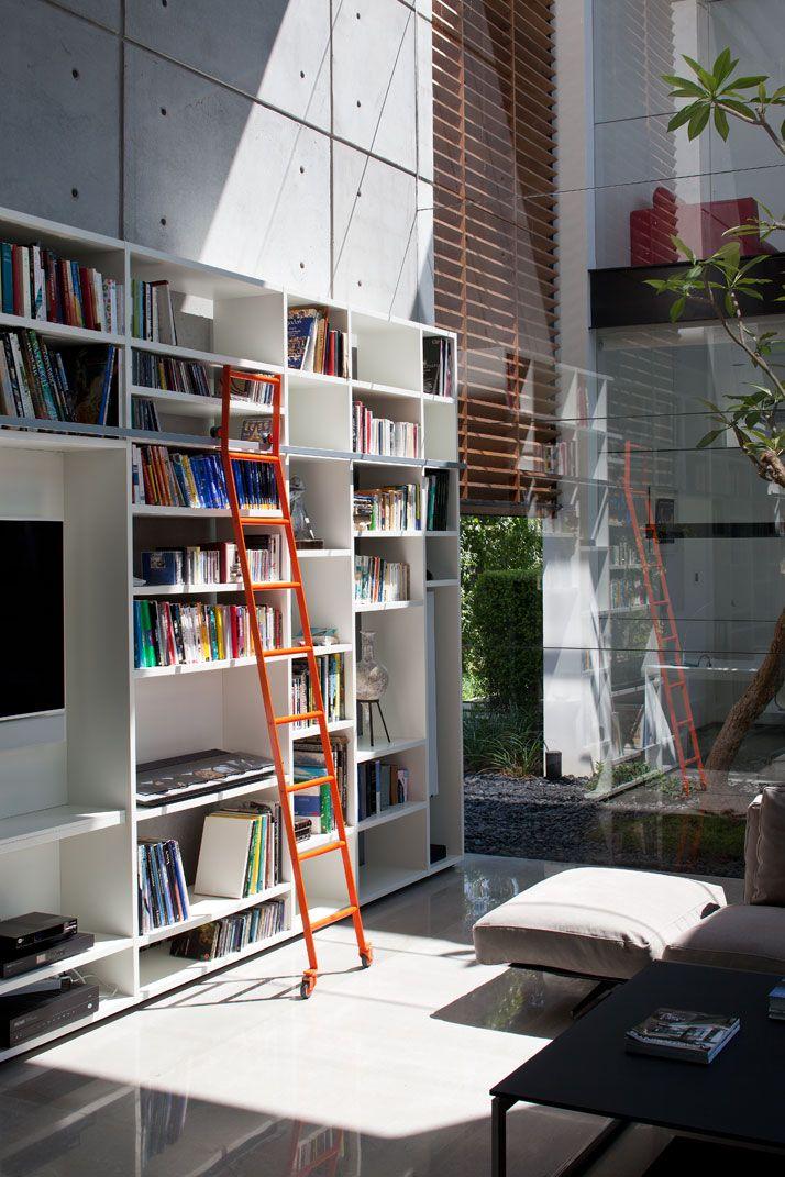 Contemporary Bauhaus Residence on the Carmel by Pitsou Kedem Architects | Yatzer