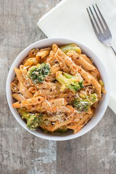 Lentil Pasta with Roasted Garlic, Broccoli and Creamy Red Pepper Sauce | Meatless Monday