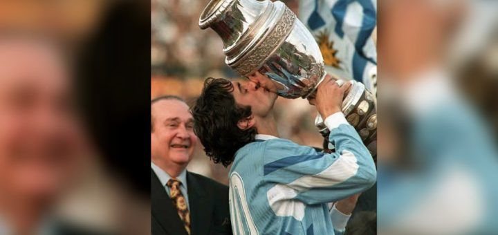 Francescoli kiss the Copa America 1995