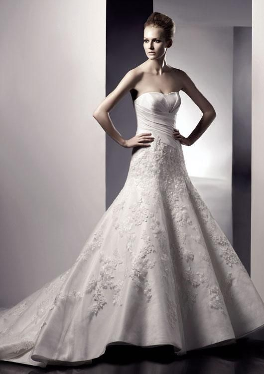 Igen Szalon Enzoani wedding dress- Ellen #igenszalon #Enzoani #weddingdress #bridalgown #eskuvoiruha #menyasszonyiruha #eskuvo #menyasszony #Budapest