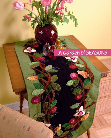 Martingale - table runner