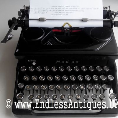 Rare 1940's Everest manual typewriter. Made in Italy! For sale at www.endlessantiques.UK! #endlessantiques #vintagesale #vintage #vintagekeys #vintagestore #vintagedecor #vintagetypwriter #vintagewedding #typewriter #retro #italian #black #blacktypewriter #1940s #london #uk