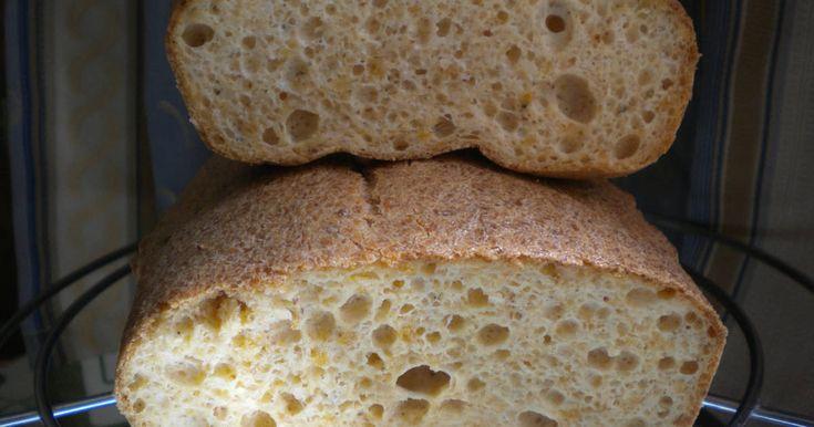 Mennyei Útifűmaghéjas kenyér (Gluténmentes) recept! Nem csak gluténérzékenyeknek, hanem fogyókúrázóknak is jól jöhet, mert az egész kenyérben csak 1001 kcal, 1,8 g szénhidrát és 74,85 g zsír van. Nagyon jó ízű, és több napig puha marad. Mértéktelenül azért ne fogyasszuk, mert a túl sok rostot sem mindenki bírja.