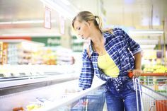 Go on a virtual trip to the grocery store with nutritionist Jeff Novick, RD. He shows you the inexpensive, healthy staples to stock up on. 9-13-15