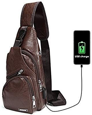 8408c2a1108 Charminer Bolso Messenger con USB Recargable,Bolso Mochila de Pecho Cuero  para Hombres Bolso Bandolera Bolsa Sling Messenger  Amazon.es  Deportes y  aire ...