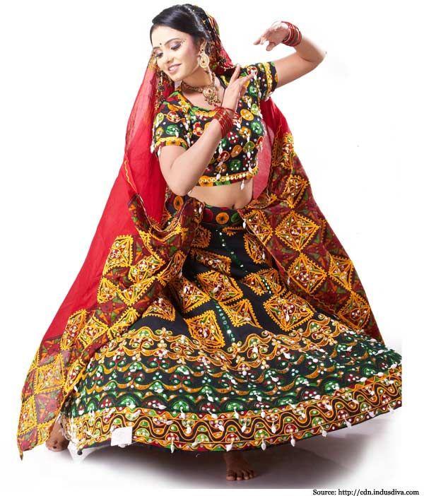 Lehenga Choli Designs | Designer Bridal Lehengas | Ghagra Choli Design